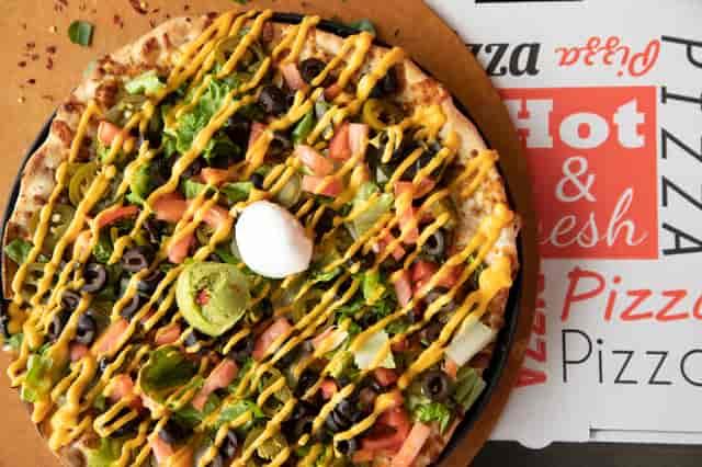 delux nacho pizza