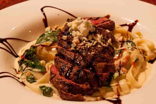 steak and gorgonzola fettecine