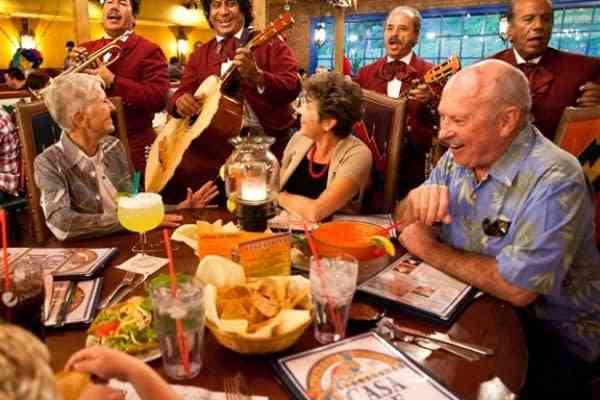 eating with music