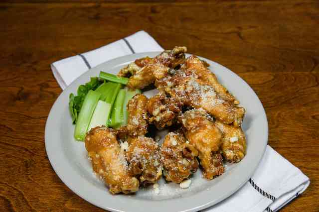 garlic parm wings