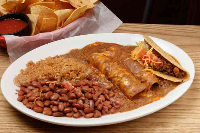 Enchiladas with tacos and chips
