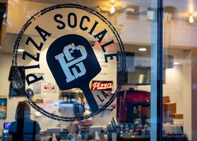 Pizza Sociale Interior