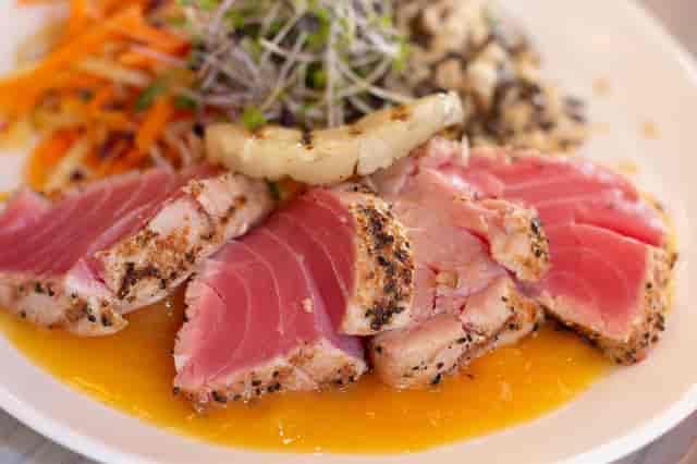 seared hawaiian tuna