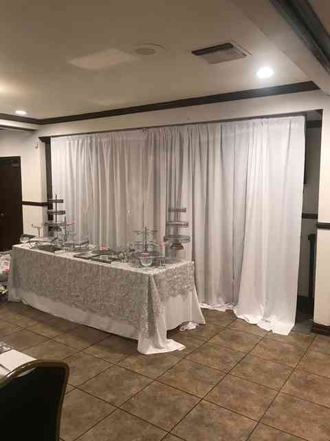 banquet table with silver decor