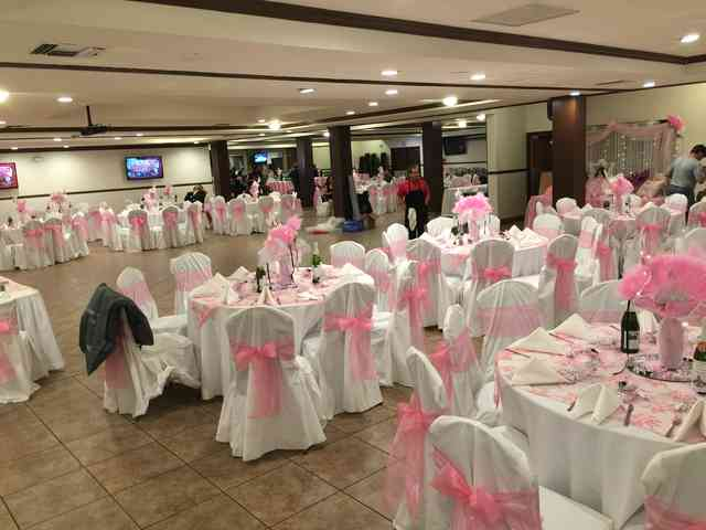 tables with pink decor