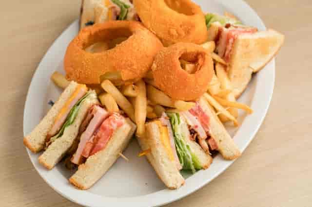 club sandwich plate
