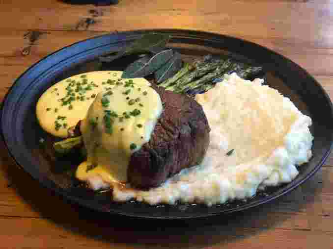 Filet, Asparagus, Whipped Potato, & Hollandaise