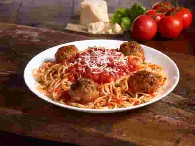 Catering Spaghetti Marinara with Meatballs (CP)