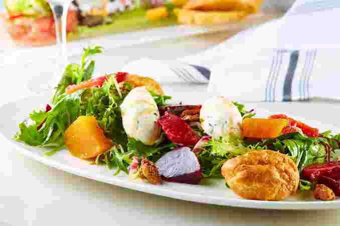 Beet and Goat Cheese Salade