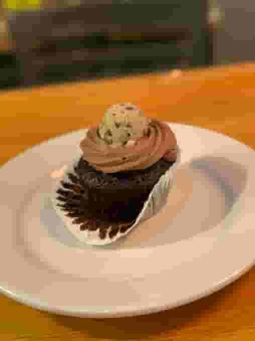 chocolate & cookie dough cupcake
