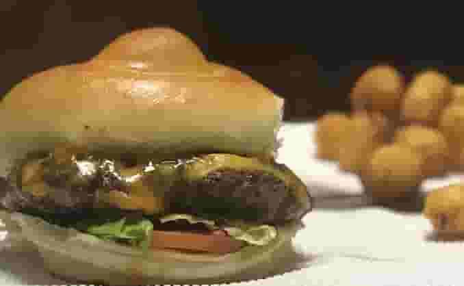 1/2 lb Fresh Angus Burger