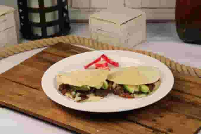 Two Mulitas Plate