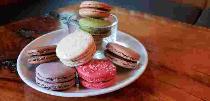 Macaroons (assorted flavors)