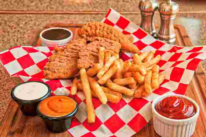 Chicken Finger Dinner with Fries or Tots