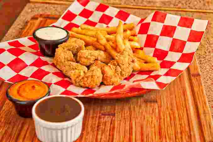 Boneless Wing Dinner with Fries or Tots