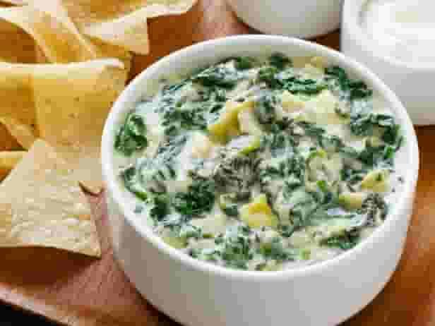 Spinach-Artichoke Dip & chips