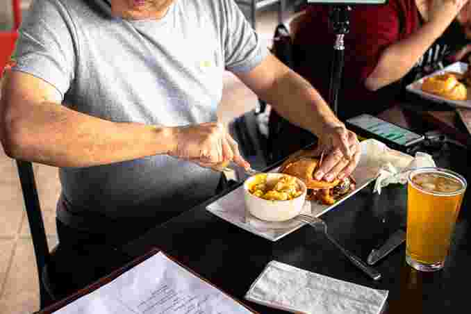 Burger Cutting