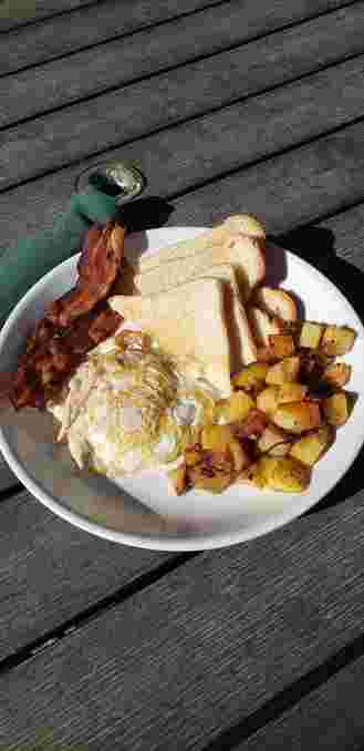 2 Eggs, Bacon or Ham, Homefries, and Toast