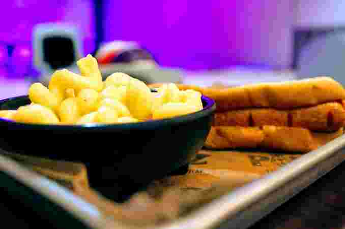 Hot Gog with Mac 'n Cheese