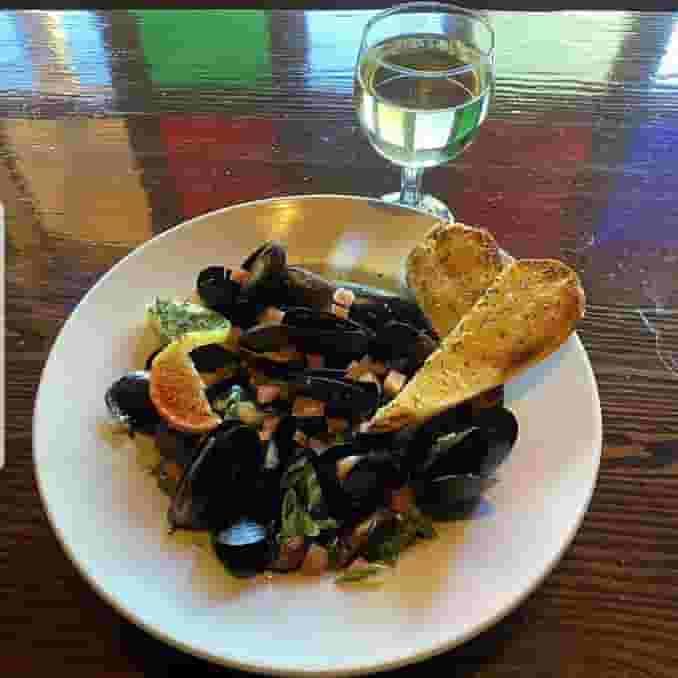 1 L.B. Classic Black Mussels