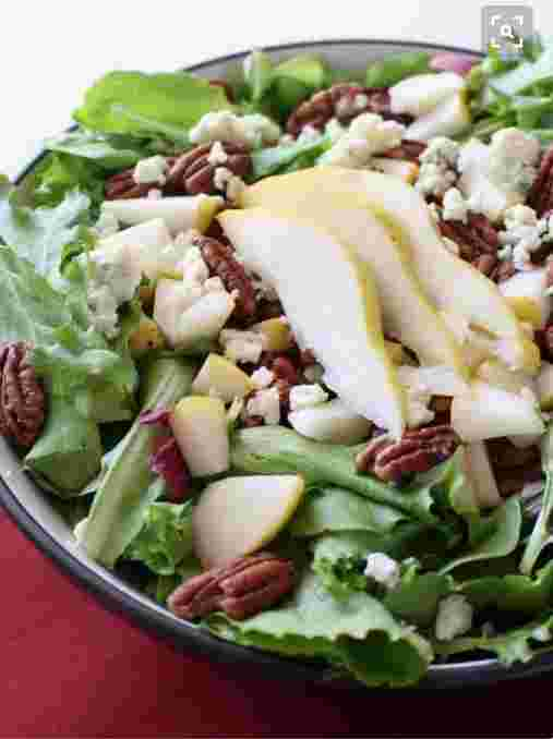 Pear, Blue Cheese and Candied Pecan Salad with Greek Vinaigrette