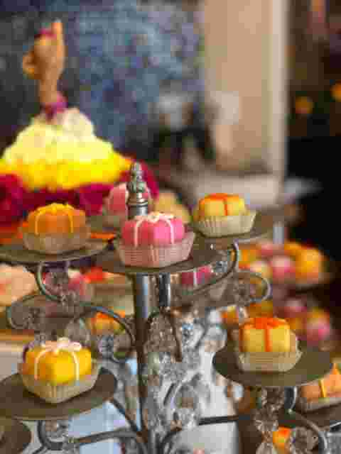 Chandeliers For Display or Apps & Desserts