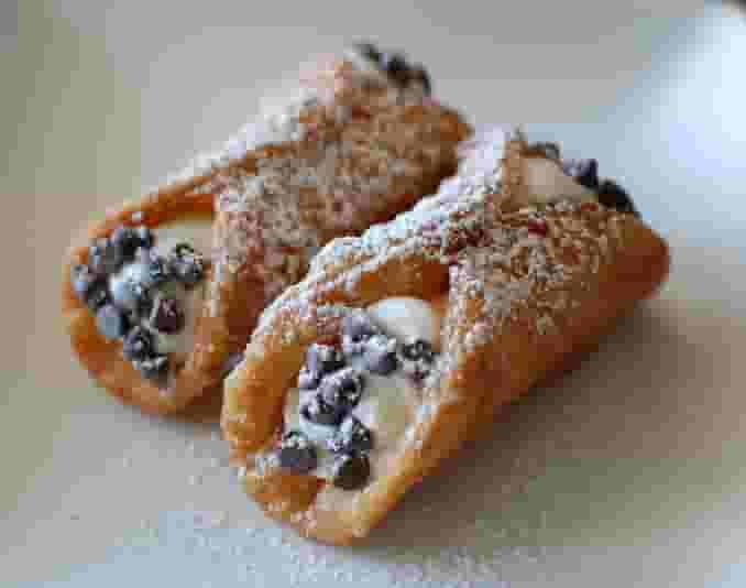 Mini Dessert Cannolis