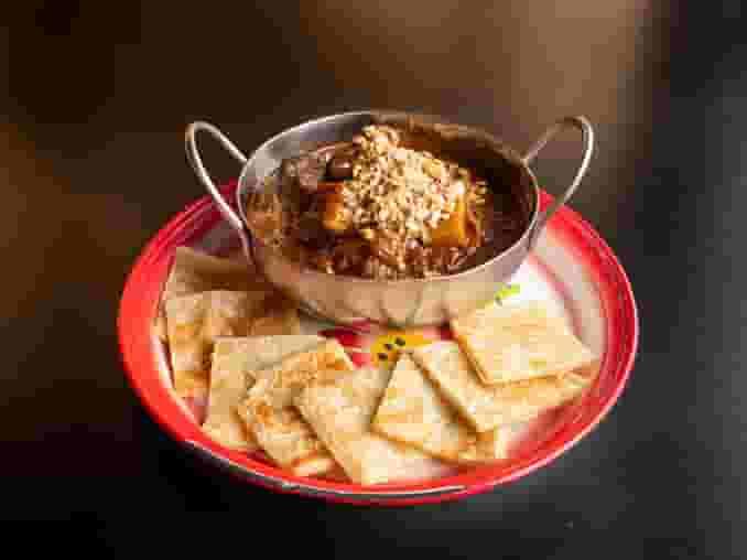 32. Mussamun Curry Chicken