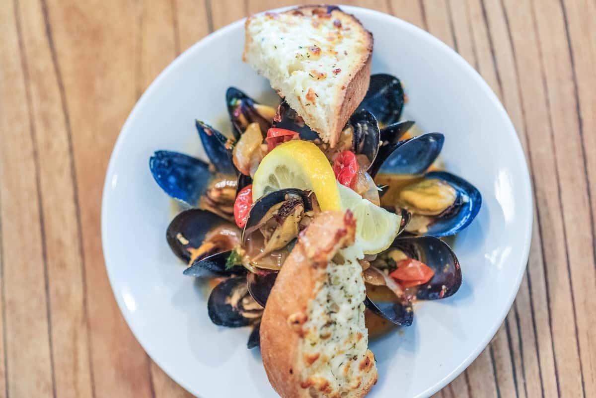 pei black mussels
