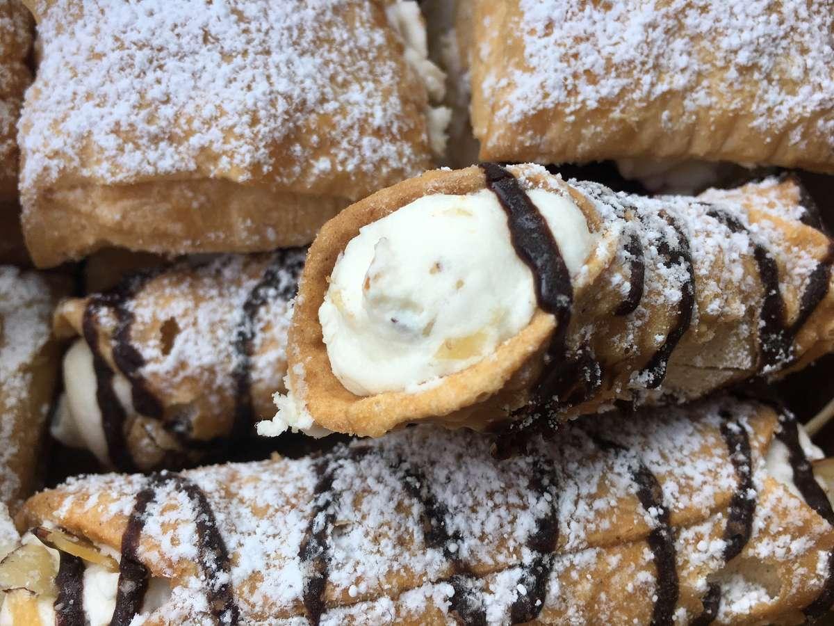 pastry-2772736_1920