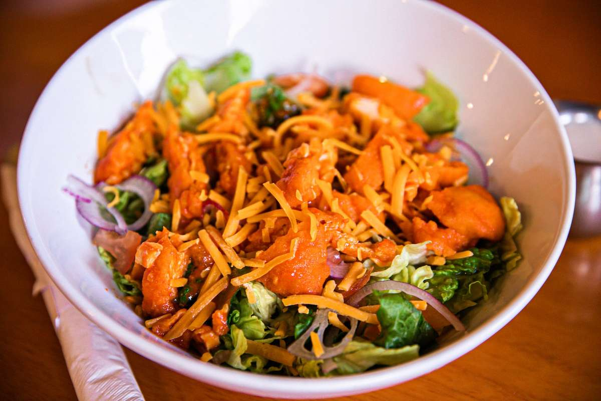 Buffalo Wing Salad