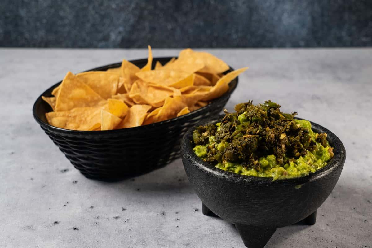 Guacamole y Totopos