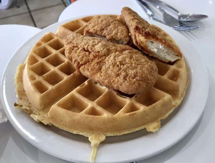 Chicken'N Waffle