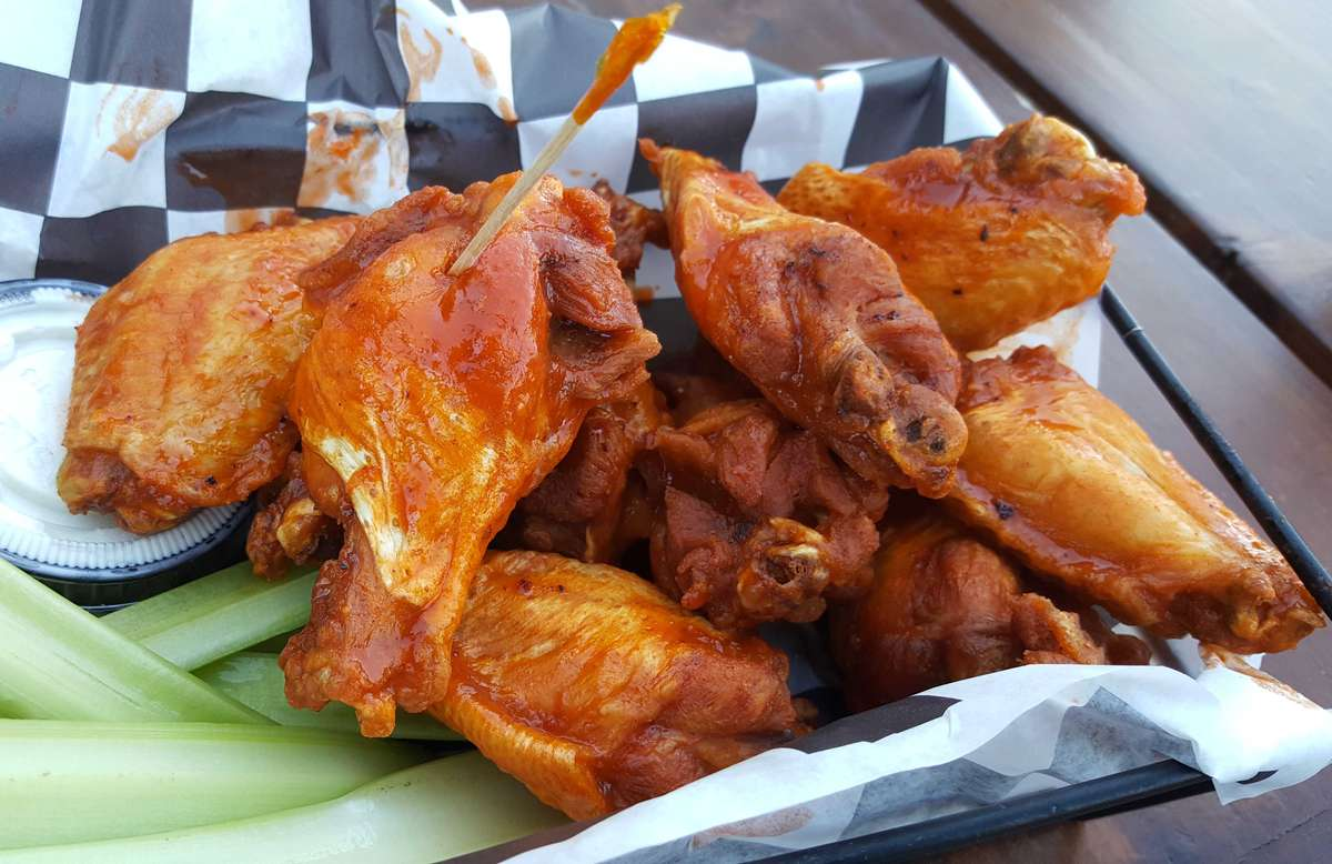 Jumbo Chicken Wings - Traditional Sauces