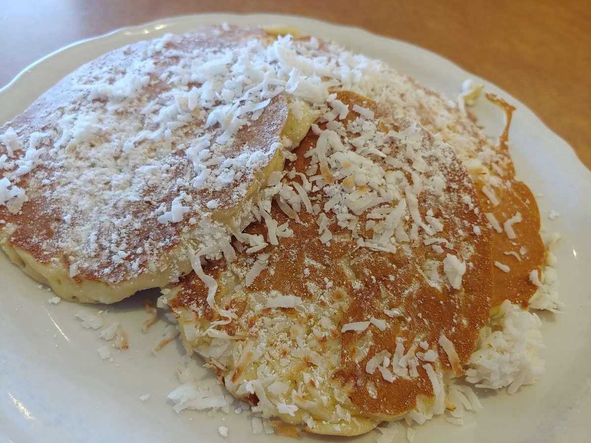 Coconut Pancakes (550/1110 cal)