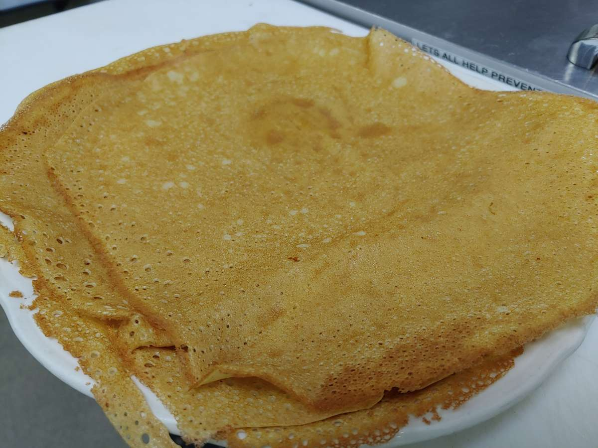 Swedish Pancakes (460/690 cal)