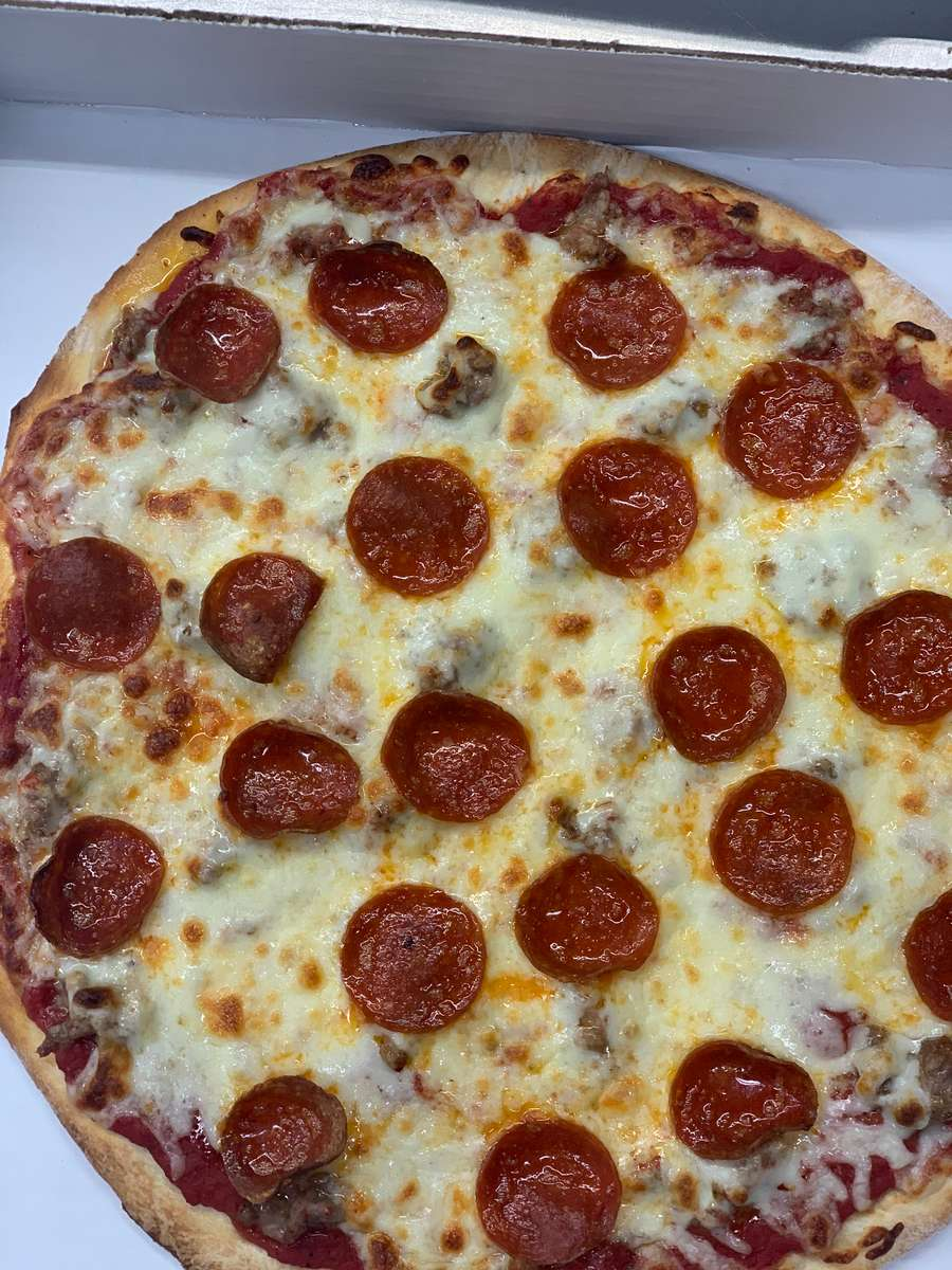 "Hurricane Pizza 24"" 42 Pieces"
