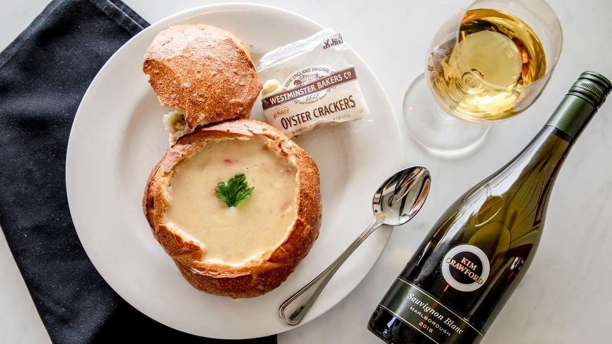 WOODY'S FAMOUS NEW ENGLAND CLAM CHOWDER