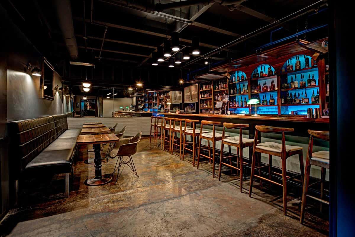 Bourbon House bar