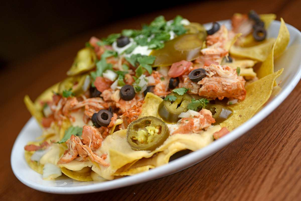 Braised Chicken Nachos