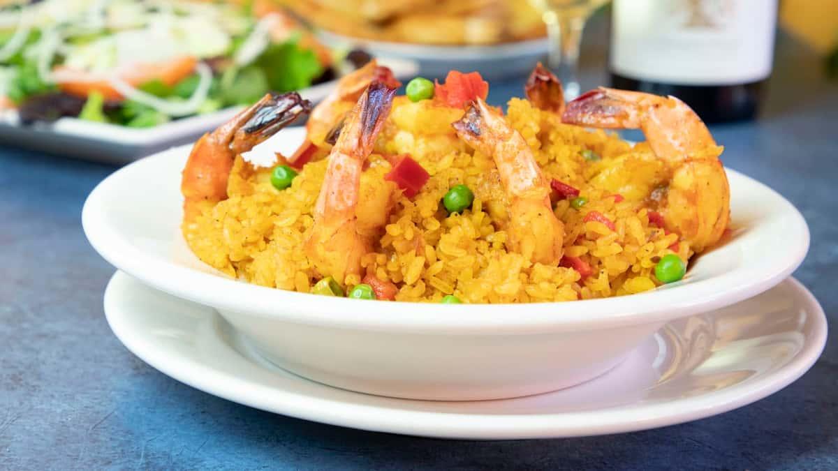 arroz amarillo con camarones