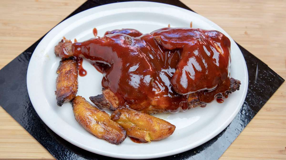 8. Pollo En Salsa de Barbacoa - Barbecue Chicken
