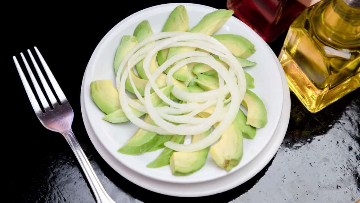 Ensalada de Aguacate - Avocado Salad