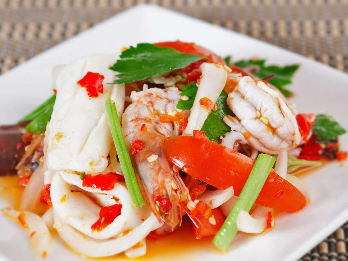 Tum Talay (Spicy Seafood Salad)