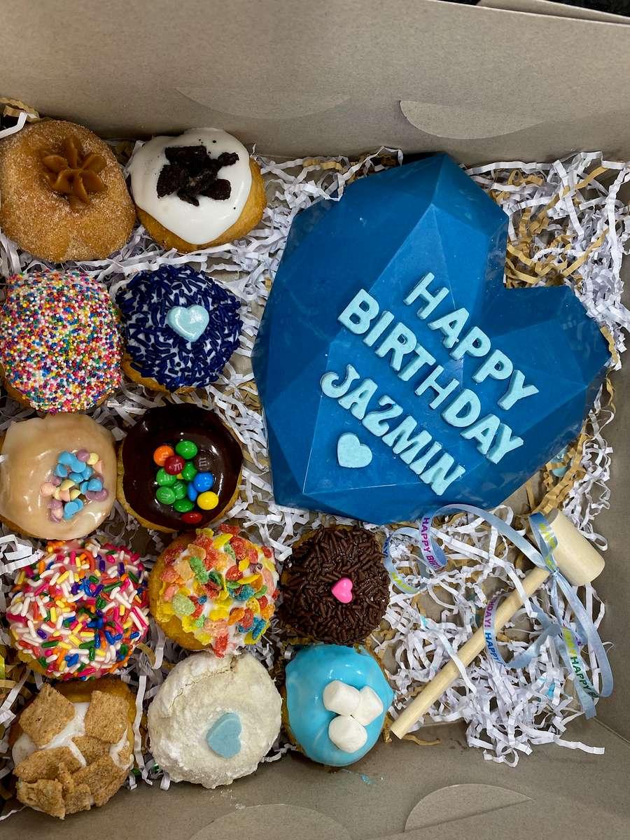 Breakable Heart, Mini Donuts