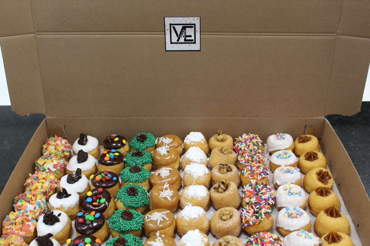 100 fresh Mini Donuts