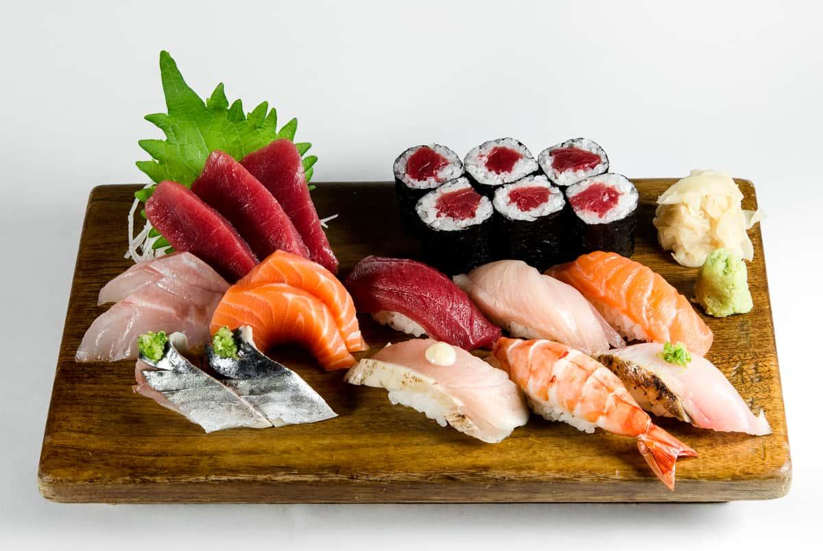 Sushi-Sashimi Combination Platter