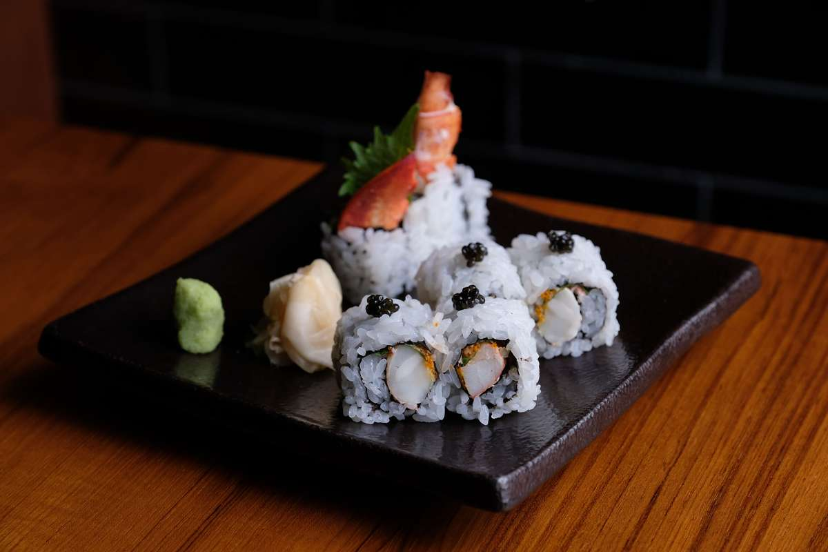 blue ribbon sushi roll