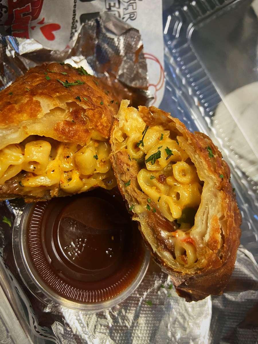 Pulled Pork & Mac Egg Roll (qty 1)