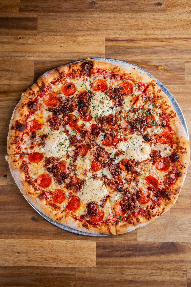 meats pizza